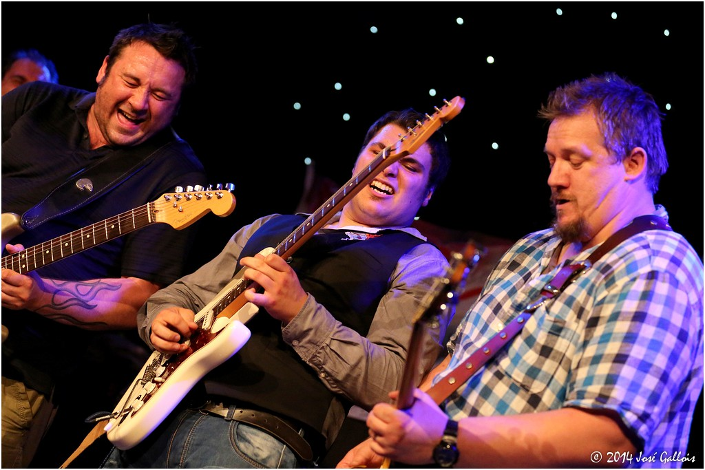 Rock The Boat' tijdens Blues on The River met Nimmo Brothers ...
