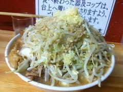 pancit(0.0), pad thai(0.0), chow mein(0.0), noodle(1.0), bakmi(1.0), cellophane noodles(1.0), produce(1.0), food(1.0), dish(1.0), yakisoba(1.0), chinese noodles(1.0), vermicelli(1.0), cuisine(1.0),