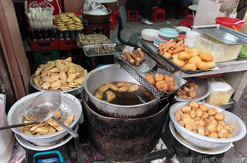Fried Display outside of 52 Lý Quốc Sư