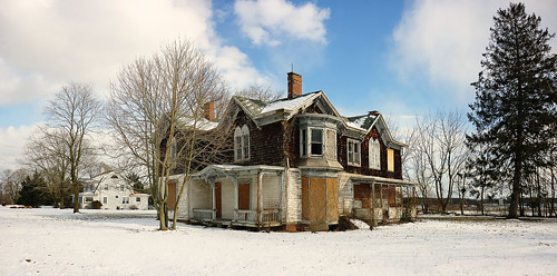 winter panorama white house snow ny newyork neglect landscape frozen decay neglected panoramic longisland weathered boardedup mansion northfork aquebogue decayedandabandoned
