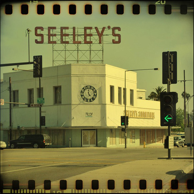 Lifestyles Glendale Ca George Seeley 39 S Furniture A Photo On Flickriver