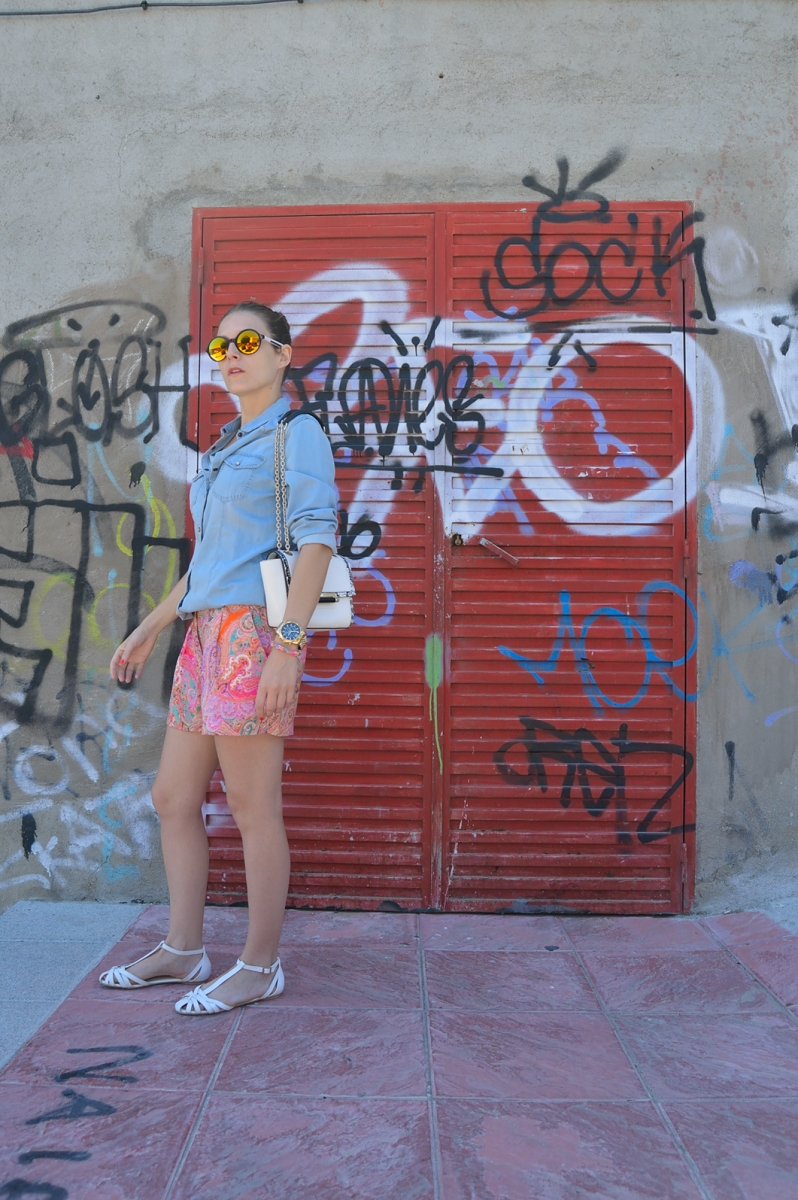 lara-vazquez-madlula-blog-denim-style-streetstyle-colourful