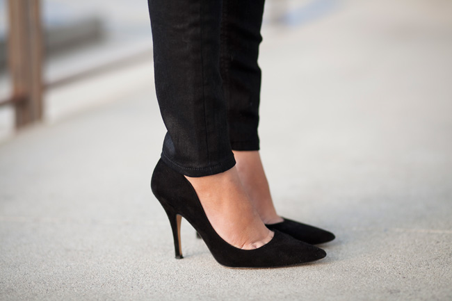 Slimming The Ankle Of Skinny Jeans