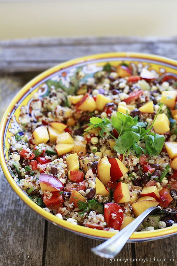 This ultimate summer quinoa salad is packed with black beans, crunchy ...