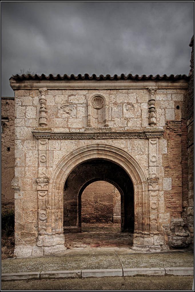 Iglesia de San Juan -  MORAL DE LA REINA (