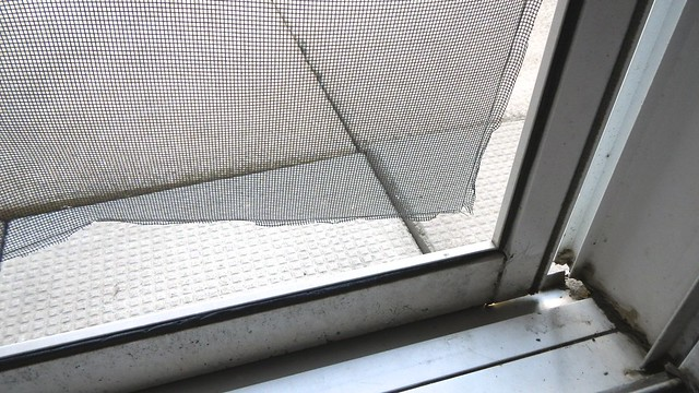 Screen Door Quick Fix 7