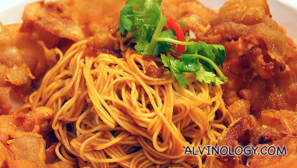 Prawn Flavoured Noodles with crispy pork (S$17.90)