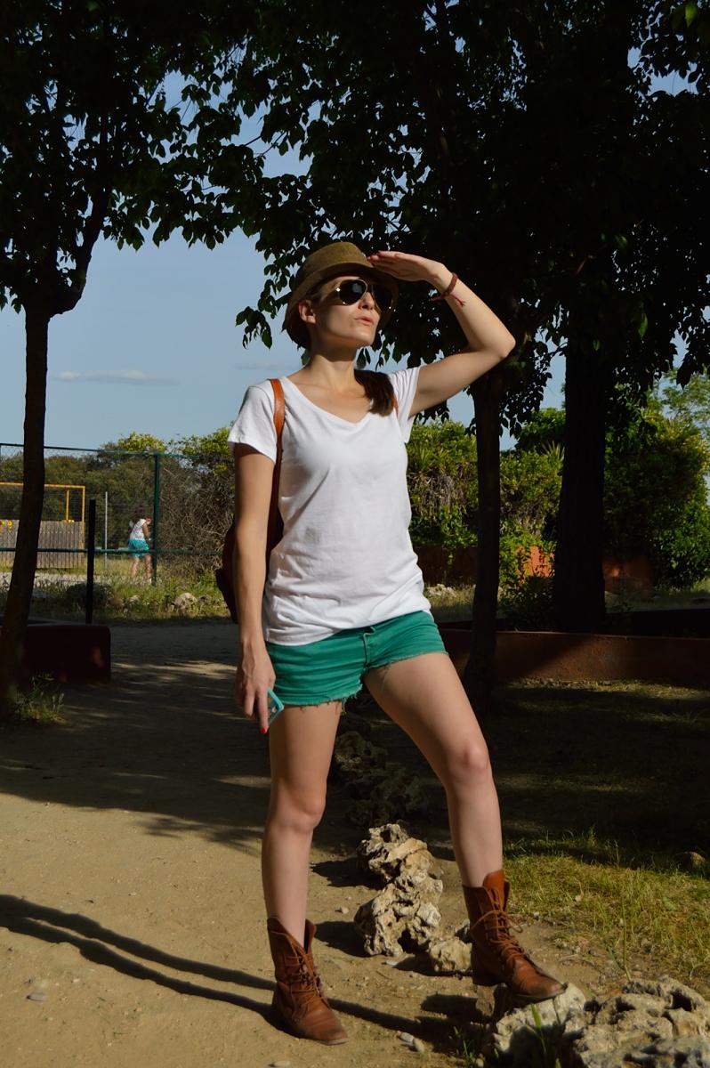 lara-vazquez-madlula-blog-safari-outfit