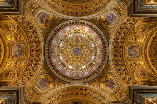 The stunning ceiling in the St. Stephen's Basilica