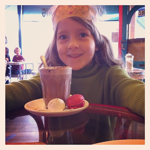 Cafe date with Little Owlet #loveher