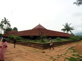 തിരുനെല്ലി അമ്പലം