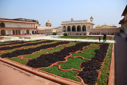 Agra Red Fort Palace Gardens