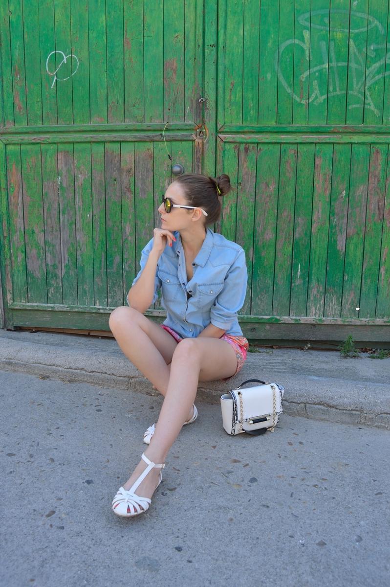 lara-vazquez-madlulablog-fashion-look-denim-color-white-details
