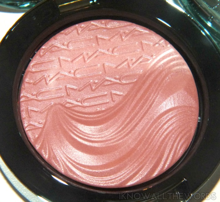 mac alluring aquatic collection extra dimension blush- sea me, hear me (2)