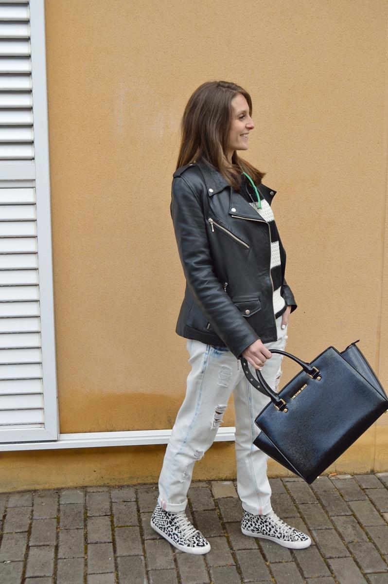 lara-vazquez-madlula-fashion-blog-black-white-look-leather