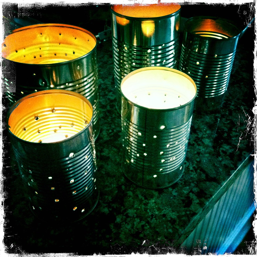 Mamascout make a tin can lantern for Tin cans for crafts