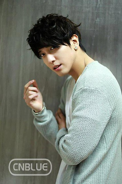 Jung Yong Hwa at Music Bank Backstage