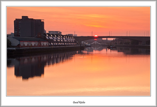 bridge autumn urban sunrise landscape dawn scotland riverclyde glasgow govan kingstonbridge lancefieldquay tradestonbridge