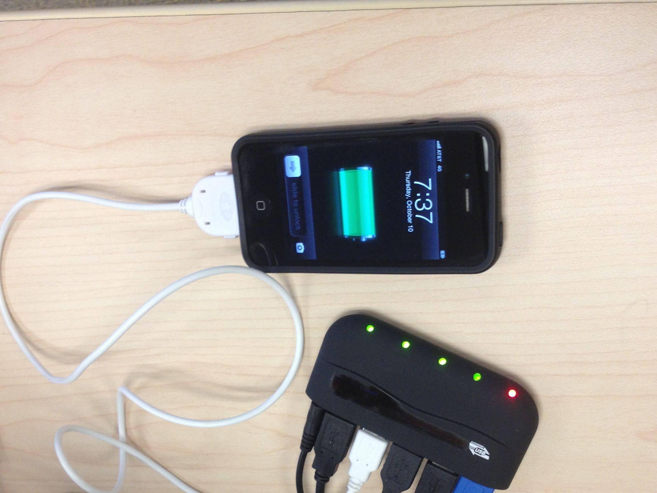 Apple iPhone Charging via USB hub - Flickr - Photo Sharing!