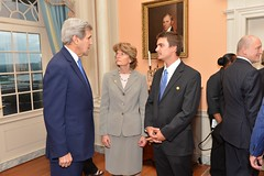 U.S. Secretary of State John Kerry speaks with U.S. Senator for Alaska Lisa Murkowski before the U.S. Chairmanship of the Arctic Council reception at the U.S. Department of State in Washington, DC on May 21, 2015. [State Department Photo/Public Domain]