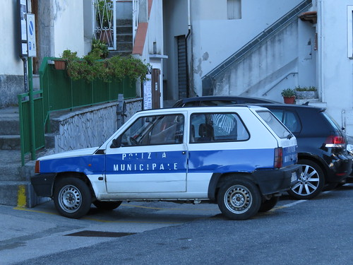 The only police car of Aieta.