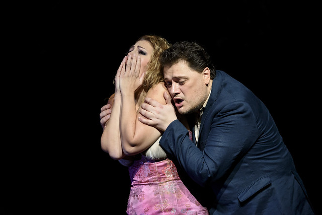 Sondra Radvanovsky and Aleksandrs Antonenko in Manon Lescaut, The Royal Opera © ROH 2016. Photo by Bill Cooper