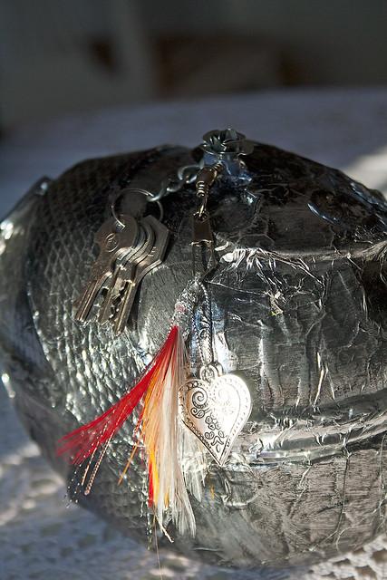Påskägg falsk metall