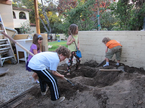 Kids like to dig