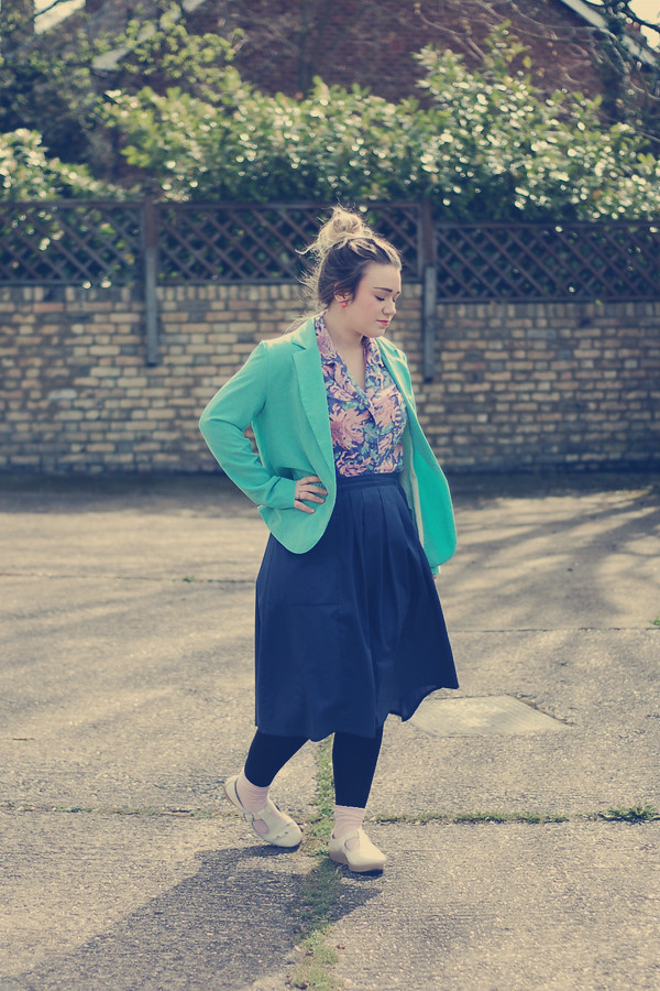 Wardrobeblock : vintage pink blue floral blouse, mint green primark blazer, topshop cream shoes
