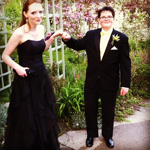 siblings headed to prom #unschooling #unschoolprom #teens #firsts #prom