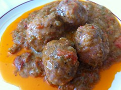 frikadeller(0.0), curry(1.0), kofta(1.0), food(1.0), dish(1.0), cuisine(1.0), meatball(1.0),