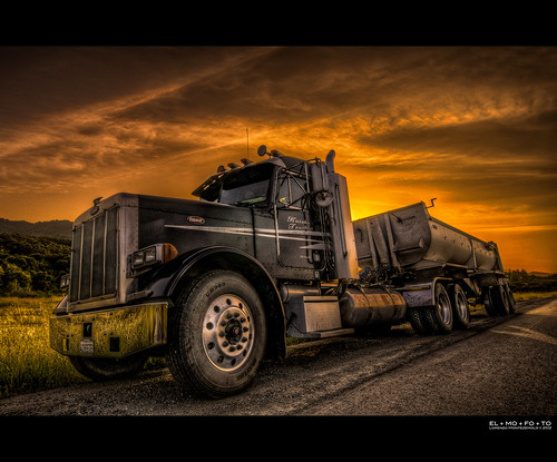 california sunset sky orange tractor black reflection northerncalifornia clouds truck photography diesel fav50 dramatic fav20 chrome parked norcal trailer roadside fav30 convoy hdr highdynamicrange sancarlos pf peterbilt emeraldlake hittheroad leadinglines fav10 fav100 tonemapping fav40 5000v fav60 fav90 fav80 fav70 flickraward 1424mm flickraward5 flickrawardgallery elmofoto lorenzomontezemolo forcurators