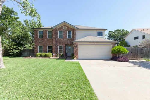 500 Hawthorne Lane - Round Rock - FOR SALE!