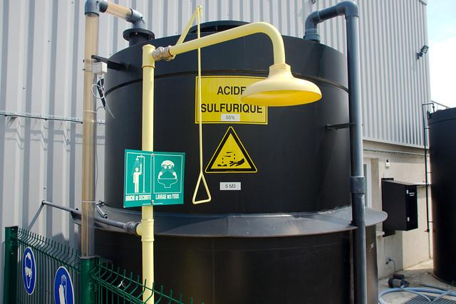 cuve d acide sulfurique cuve d acide sulfurique lors des 1 flickr photo sharing. Black Bedroom Furniture Sets. Home Design Ideas