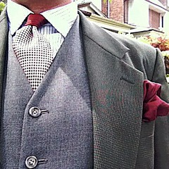 Saturday's outfit - white cotton button-down shirt with navy pinstripes, silk neck tie with oxblood #houndstooth, slate grey wool waistcoat, olive with navy houndstooth wool jacket and oxblood silk pocketsquare - #nofilter #dandy #gentleman #haberdasher #