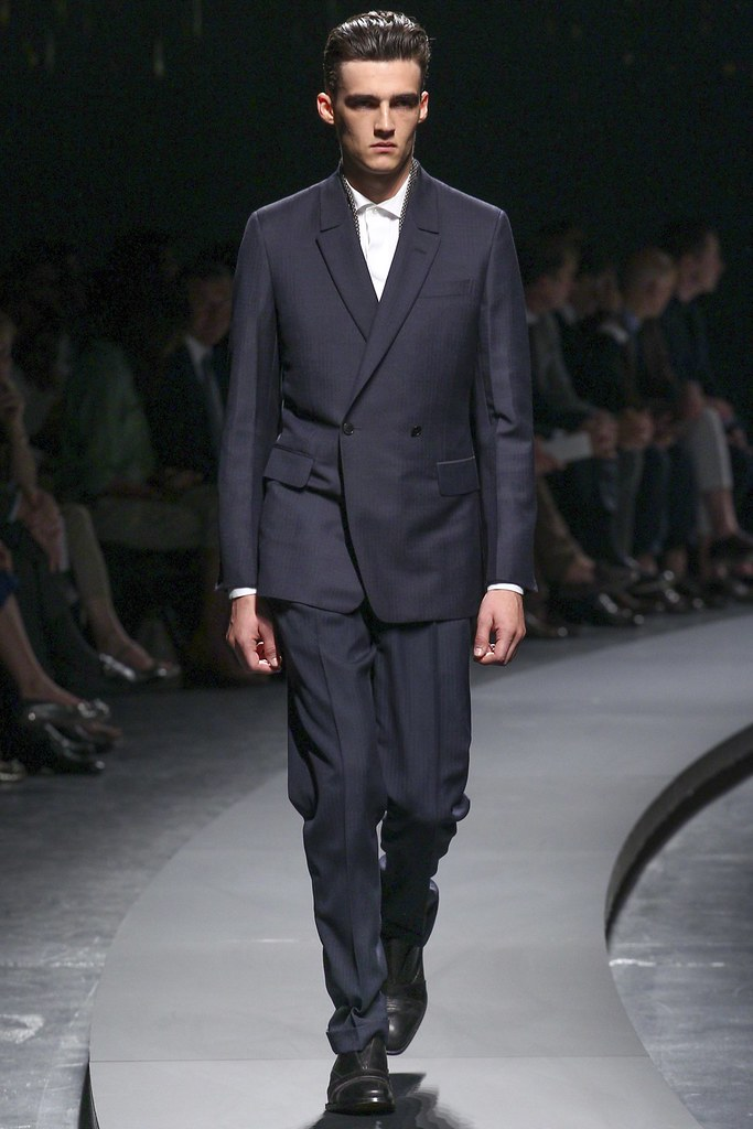 SS14 Milan Ermenegildo Zegna004_Elliot Vulliod(vogue.co.uk)