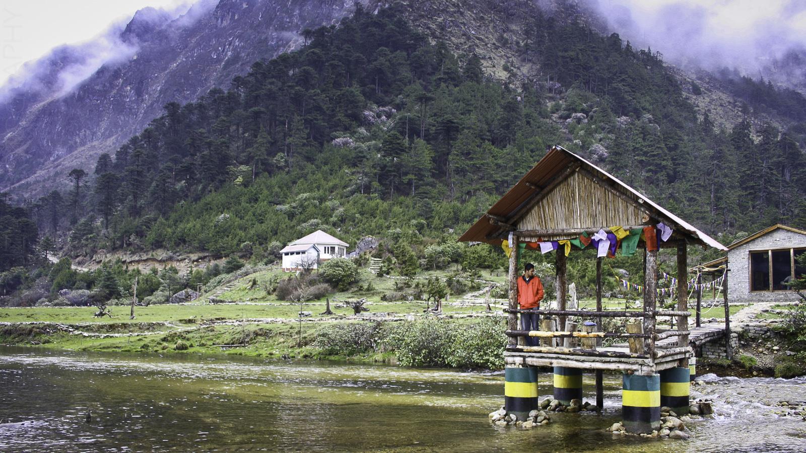 At Shungetser Tso / Madhuri Lake
