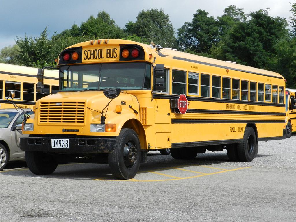 DSCN8825   Brookfield Local Schools 2 - 2002 Blue Bird Inter…   Flickr