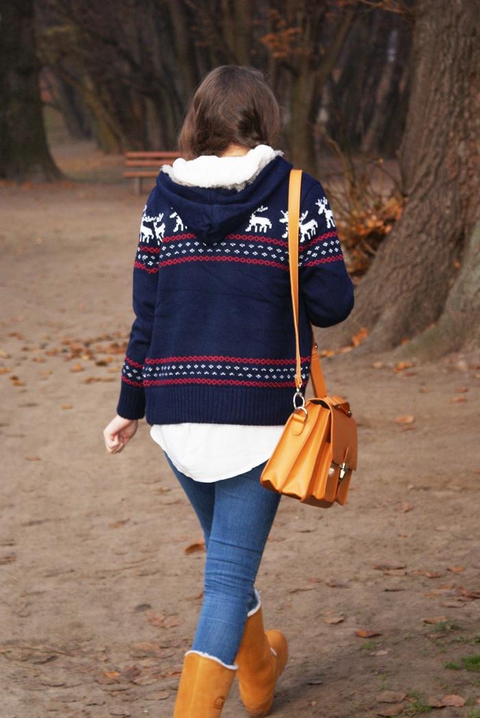 sweter z reniferami skandynawskie wzory