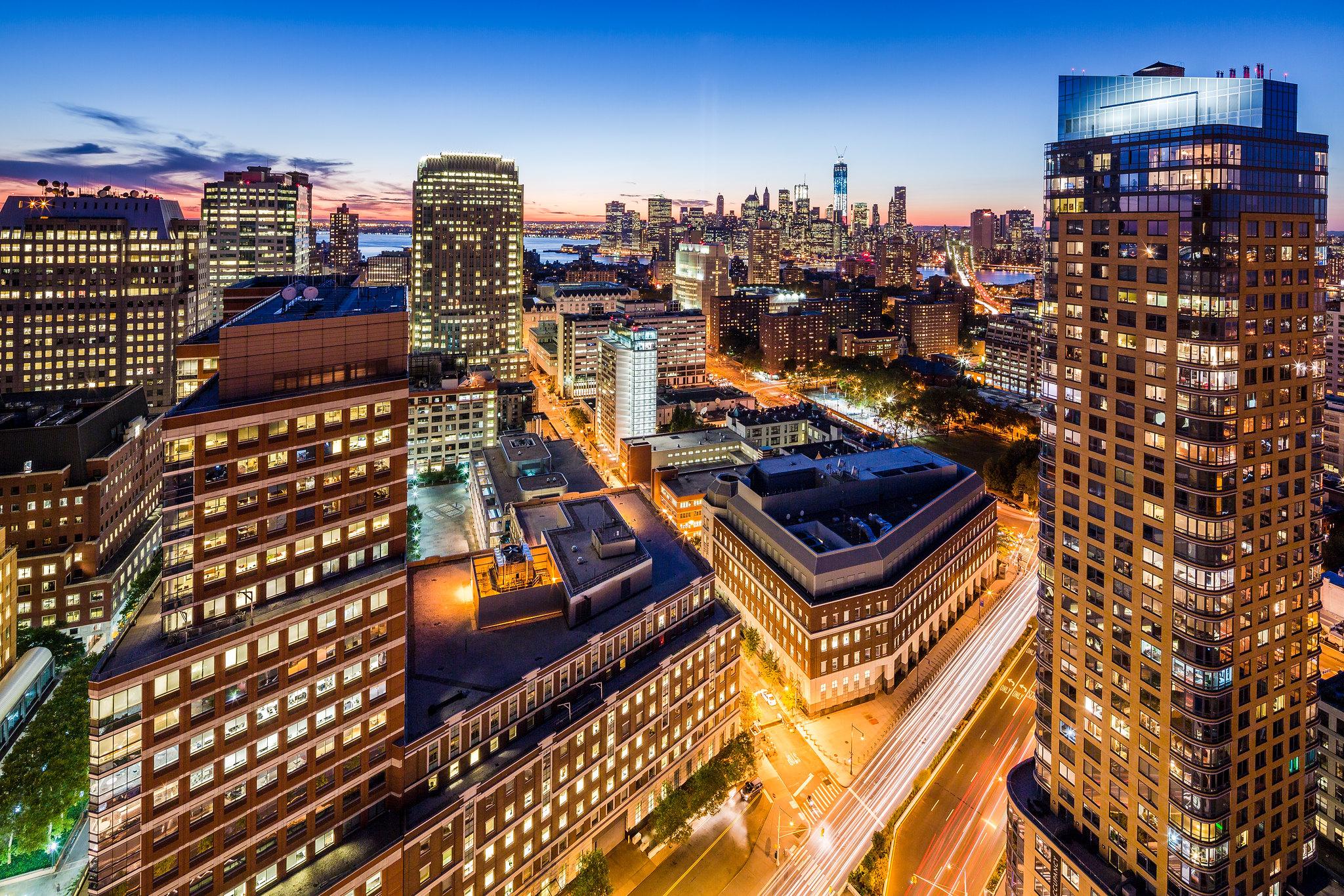 Downtown Brooklyn Brooklyn Framing the Lower Manhattan Skyline ...