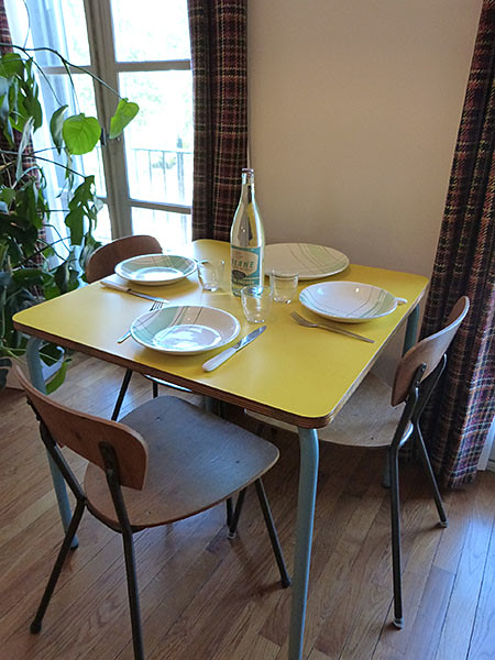 table de la salle à manger