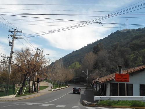 AVENIDA RAUL LABBE, El Arrayán, Lo Barnechea, Santiago, Chile 2013 - www.meEncantaViajar.com by javierdoren