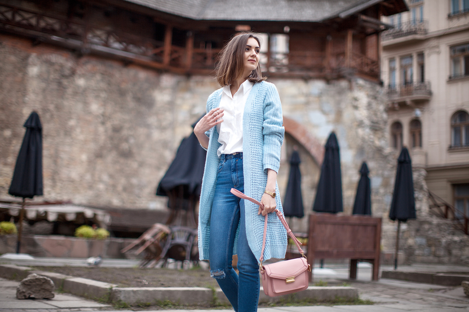 how-to-wear-pastel-blue-cardigan-sweater