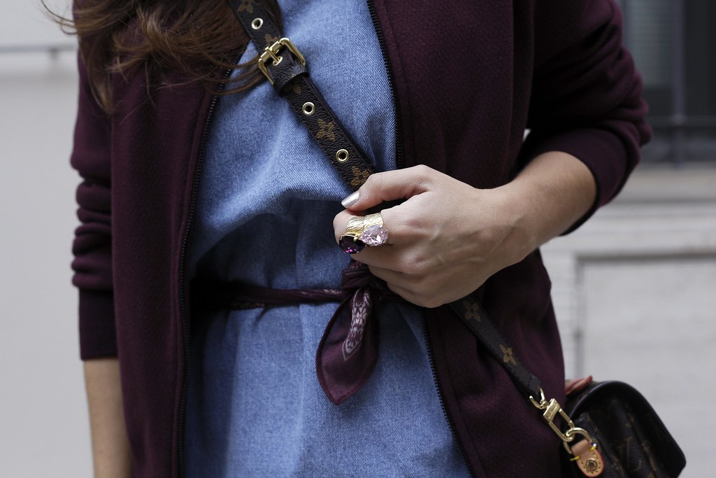 016_how_to_wear_bomber_burgundy_outfit_theguestgirl_streetstyle_barcelona