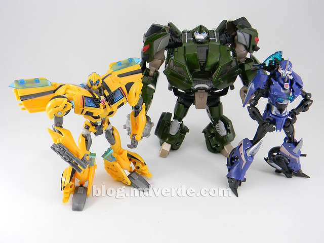 Transformers Bulkhead - Prime First Edition Takara - modo robot vs Bumblebee vs Arcee