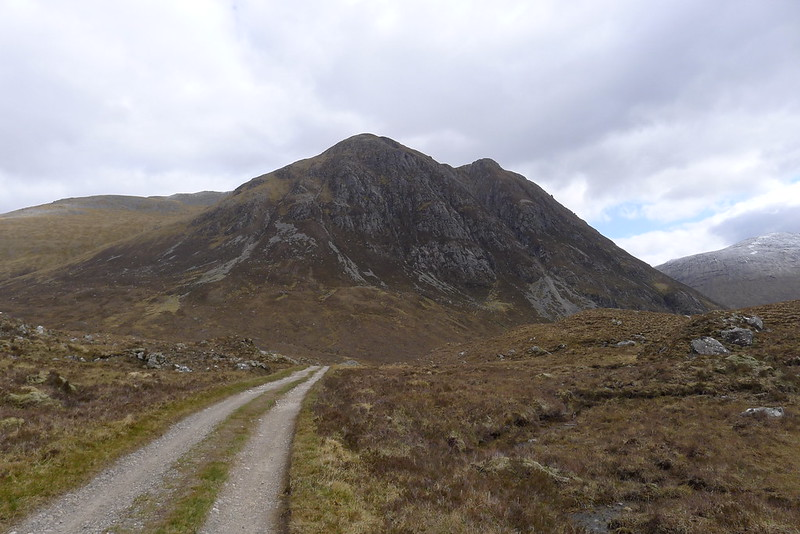 The track to Pollan Buidhe