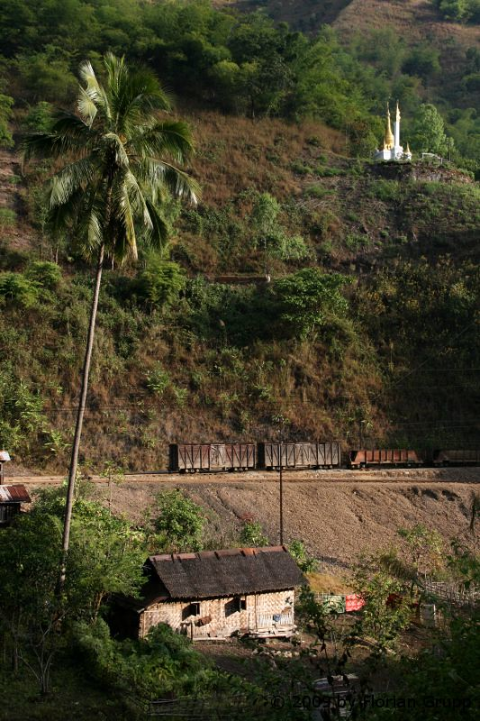 http://farm6.staticflickr.com/5322/7434448928_f4dde3df08_b.jpg