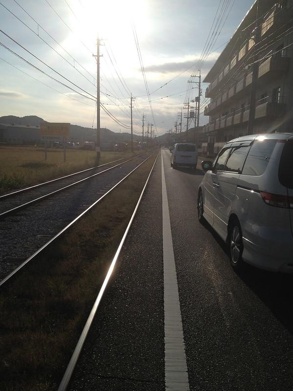 道路脇に線路