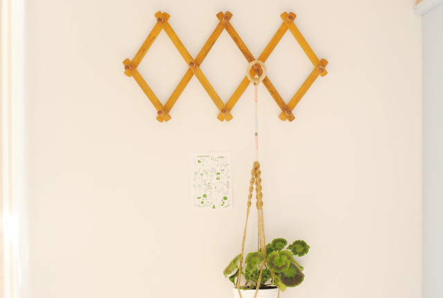 Plant hanger and cards by Studio Meez