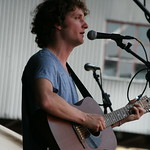 Sam Amidon in Courtyard C on Saturday. Photo by Laura Fedele